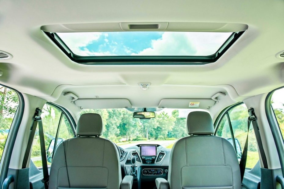 1570860696-multi_product10-fordtourneo9.png