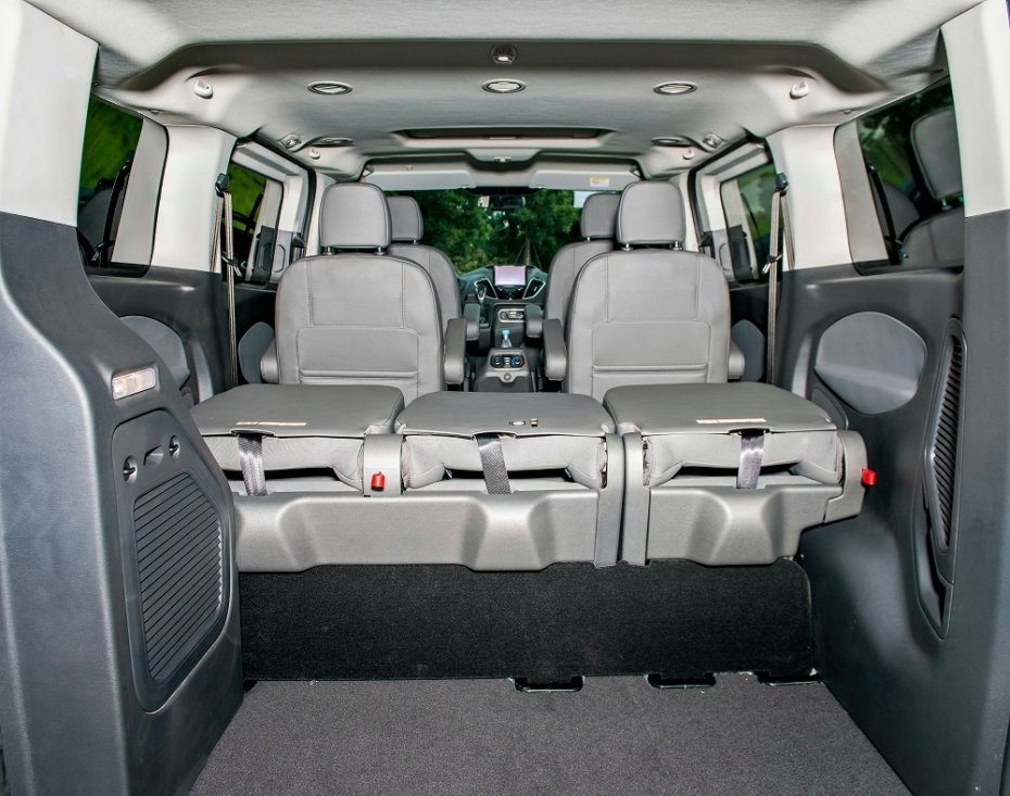 1610525047-multi_product10-fordtourneo20219.jpg